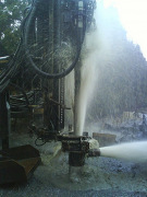 Бурение скважин в Москве. Прошедшая комплексную обработку артезианская вода становиться действительно чистой и полезной для здоровья.