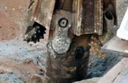 Бурение скважин в Раменском районе. Сооружение скважины и ее обустройство происходит с применением крупногабаритной техники.