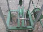 Бурение скважин. У нас имеется все необходимое оборудование и специальные машины для бурения скважин.