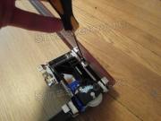 Частный мастер шкафы купе. Регулировка роликов и направляющих на шкафу-купе - гарантия того, что двери будут работать исправно.