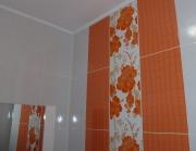 Делаю ремонт квартир. Плитка до сих пор является самым популярным отделочным материалом для ванных комнат.