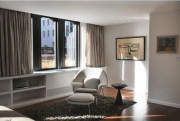 Дешевый ремонт квартиры. Комната после ремонта стала стильной и уютной.