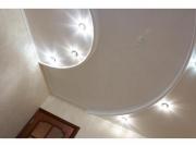 Электрик Москва. Разнообразные потолки требуют от электриков особых знаний и умений в монтаже.