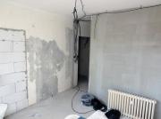 Электрик Москва. Прокладка трасс без штробления стен.