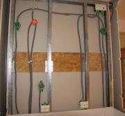 Электрик на дом. Все провода и подключения спрячутся за гипсокартонной конструкцией.