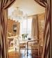 Евроремонт фото. Восточный стиль в оформлении комнаты. Использовались дорогие, золоченые обои с изображением памятников Мекки.