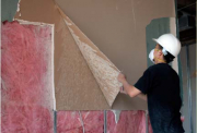 Евроремонт квартир в Москве. На начальном этапе ремонта необходимо тщательно выравнивать стены, пол и потолок.
