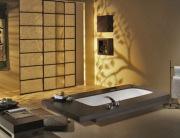 Евроремонт квартир. Евроремонт в ванной - необычное расположение ванны напоминает маленький бассейн.