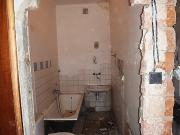 Евроремонт однокомнатной квартиры. Демонтаж перегородок при ремонте санузла.