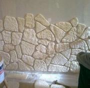 Фирмы по ремонту квартир. Отделка стен декоративным камнем.