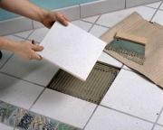 Косметический ремонт квартир, частные мастера. Наши мастера-плиточники заменят треснувшую плитку или создадут новый рисунок при помощи частичной замены некоторых плиток.