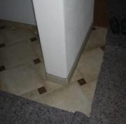 Квартира под ключ. При ремонте квартиры-студии мы используем различные напольные покрытия для выделения зон.