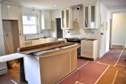 Квартира под ключ. Перед тем, как приступить к ремонту квартиры, необходимо провести демонтаж мебели и подготовить поверхности стен, потолков и пола к дальнейшей отделке.