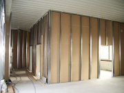 Квартиры в новостройках под ключ. Подготовка стен перед отделкой панелями.