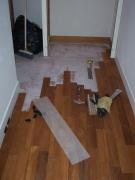 Ламинат стоимость работ. Прямой способ укладки ламината предусматривает расположение панелей вдоль стен помещения. Позвоните нам!