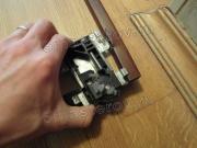 Мастер по ремонту шкафов. Замена старого ролика на двери шкафа-купе.