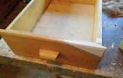 Мастерская по ремонту мебели. Ящик кухонного стола после ремонта, перед покраской.