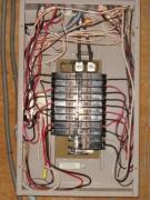 Монтаж электрощита. Установка электрощитов производится в нишу или открытым способом.