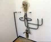 Монтаж канализации цена. Монтаж канализации в квартире включает в себя установку и подключение сантехнических приборов к общей системе канализации.
