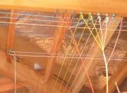 Монтаж открытой электропроводки. Ретро - проводка монтируется на керамических изоляторах и часто используется в деревянных домах для украшения.