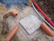 Монтаж систем канализации. Вывод  труб к  канализационному коллектору.