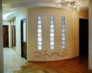 Монтаж скрытой проводки. В современном интерьере электрическая проводка должна быть скрыта под плинтусами, за перегородками или потолком.