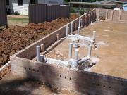 Монтаж внутренней канализации. Монтаж канализации после закладки фундамента дома.