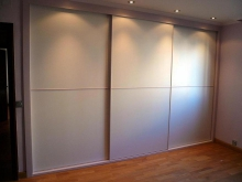 Монтаж встроенного шкафа, демонтаж. Все большую популярность в интерьере приобретают встроенные шкафы из-за удобства и функциональности.