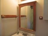 Монтаж зеркал. Монтаж зеркала в ванной комнате.