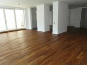 Новые квартиры под ключ. Новая квартира-студия после укладки ламината.
