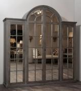Обновить шкаф. Шкаф, отделанный зеркалами, приобретает вид большого окна.