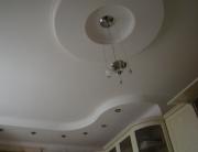 Однокомнатная квартира под ключ. Красивый потолок - важная часть дизайна однокомнатной квартиры.