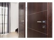 Отделка дверей ламинатом. Ламинированные двери в офисе смотрятся стильно и современно.