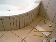 Отделка ванной под ключ. Угловые ванны стали пользоваться все большей популярностью.
