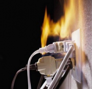 Пахнет проводкой. Если Вы почувствовали запах паленой проводки и не нашли причину - позвоните нам! Наша фирма осуществляет весь комплекс работ, связанных с электричеством.