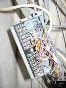Подключение проводки. Вы сможете разобраться в таком количестве проводов? А мы знаем какой провод подключить к какой клемме.