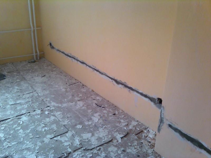Для поиска проводки в стене