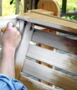 Покраска старой мебели. Покраска мебели далеко не пустяковая работа, она требует аккуратности, тщательной подготовки и немало времени.
