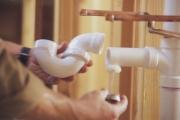 Протечка канализации. Протечка является самой распространенной неполадкой в системе канализационных труб.