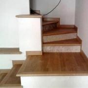 Работы по укладке ламината. Чтобы качественно уложить ламинат на лестнице, необходимо знать некоторые нюансы. Обратитесь к мастерам!