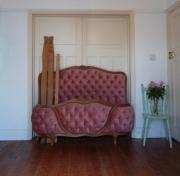 Разборка мебели. Разборка дорогой старинной кровати потребовала от наших мастеров особой аккуратности.