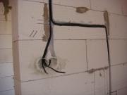 Разводка электрики. Разводка электрики закрытым способом предполагает штробление стен.