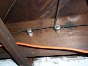 Разводка электрики. Разводка электрики открытым способом облегчает ее эксплуатацию.