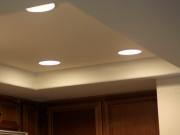 Ремонт 1 комнатной квартиры цена. Увеличить пространство и выделить зоны можно с помощью многоуровневых потолков и специальной подсветки.