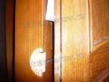 Ремонт дверей шкафа. Расшатывание и выпадение петель - частая поломка дверей шкафа.