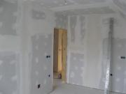 Ремонт двухкомнатной квартиры под ключ. Выравнивание стен перед  дальнейшей отделкой.