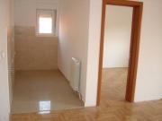Ремонт и отделка квартир. Укладка паркета, выравнивание стен, отделка стен различными материалами - это все наши специалисты выполняют на высоком уровне.