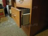 Ремонт и реставрация мебели. Поломанные ящики у письменного стола.