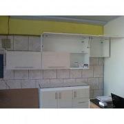 Ремонт кухонного гарнитура. Ремонт кухонного гарнитура может занять немного времени, если нужно заменить дверцы, петли, ручки.