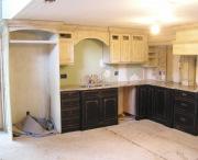 Ремонт кухонной мебели. Кухня во время ремонта. Обновление и покраска кухонного гарнитура.